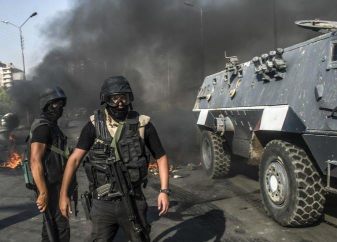 مقتل 3 عناصر من الأمن المصري خلال مداهمة شقة في محافظة الجيزة