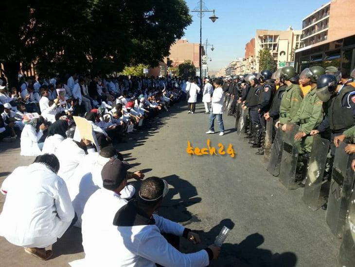 حكومة بنكيران تتوعد بمنع مسيرات الأساتذة المتدربين وتتمسك بالمرسومين