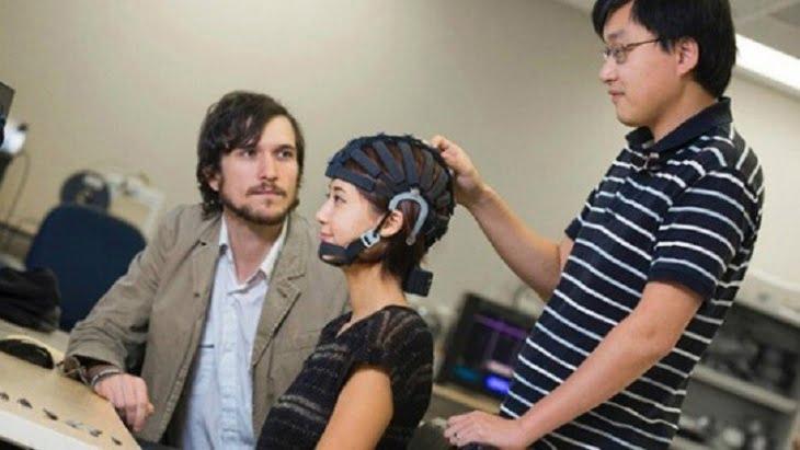 الأطباء يصممون خوذة لمراقبة مخ الإنسان