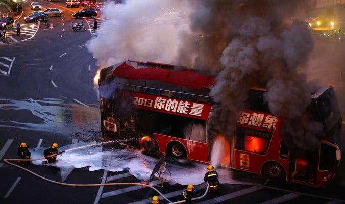 نشوب حريق مهول في حافلة للركاب على متنها أزيد من 30 مسافر ضواحي آسفي