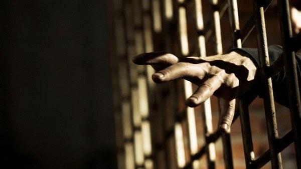 مصرع سجين بصعقة كهربائية داخل سجن