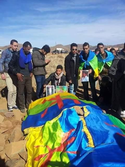 حشود غفيرة تشيع جثمان عمر خالق ضحية العنف الطلابي بمراكش إلى مثواه الأخير + فيديو وصور