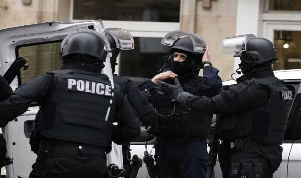 اعتقال مسلح بأحد فنادق «ديزني لاند» في باريس