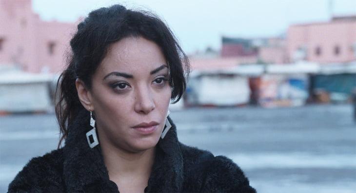 لبنى أبيضار تتعرض للإعتداء من جديد من طرف مغربي بفرنسا وصفها ب