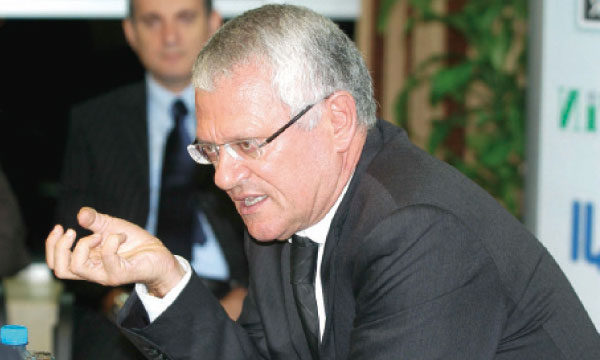 عاجل : اعفاء ادريس بنهيمة من ادارة الخطوط الملكية المغربية