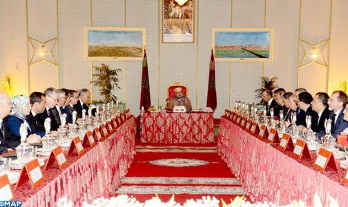الملك محمد السادس يترأس بمدينة العيون مجلسا للوزراء