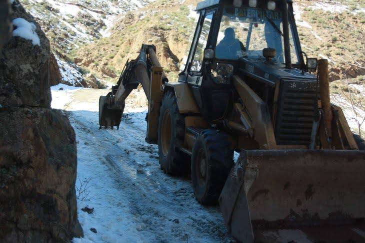 سلطات الحوز تعيد فتح الطرق المقطوعة جراء تساقط الثلوج