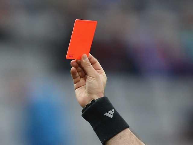 مقتل حكم رميا بالرصاص بسبب إشهار الورقة الحمراء خلال مباراة لكرة القدم