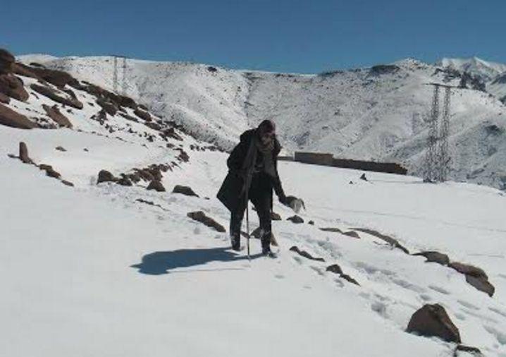 استاذة مراكشية تحكي تفاصيل رحلة الموت هربا من قساوة الطقس باقليم الحوز
