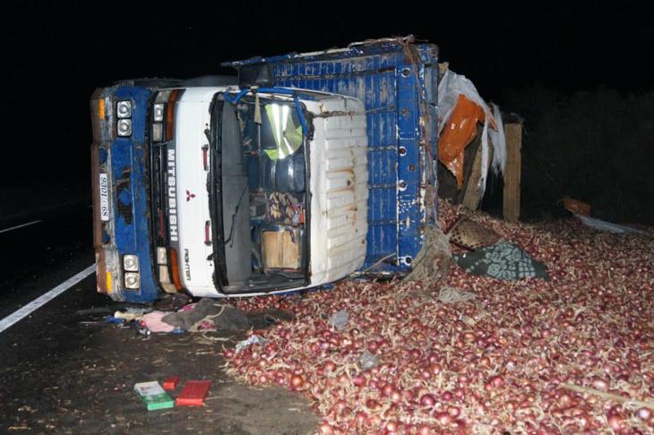 انقلاب شاحنة محملة بالبصل ضواحي مراكش