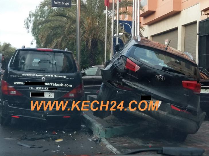 حادثة سير أمام فندق مصنف بمراكش + صورة حصرية