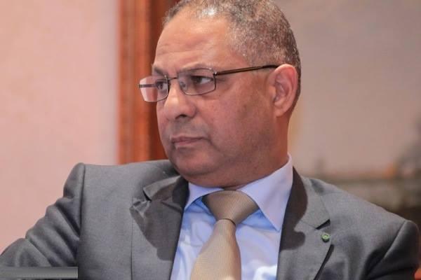 والي جهة مراكش آسفي مفكر غاضب من مسؤولي الفندق الذي ينظم به منتدى السياسات العمومية