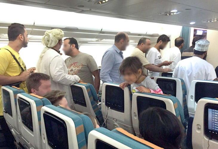 مخمور يتسبب في لحظات رعب داخل طائرة بريطانية قادمة من مراكش