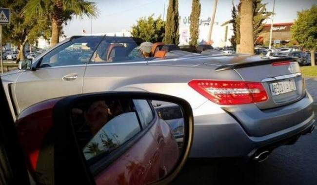 توقيف فتاة حاولت اعتراض موكب الملك محمد السادس بمدينة سلا
