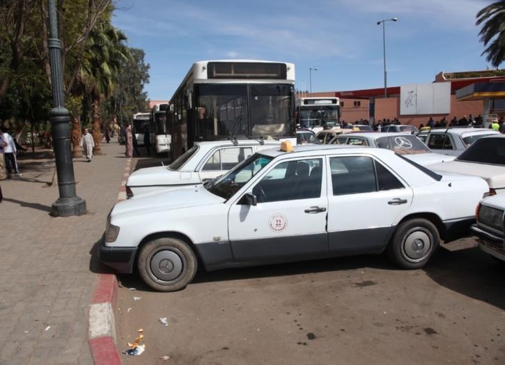 مهنيو سيارات الأجرة الكبيرة بالحوز يتوجهون بشكاية إلى وزير النقل لهذا السبب
