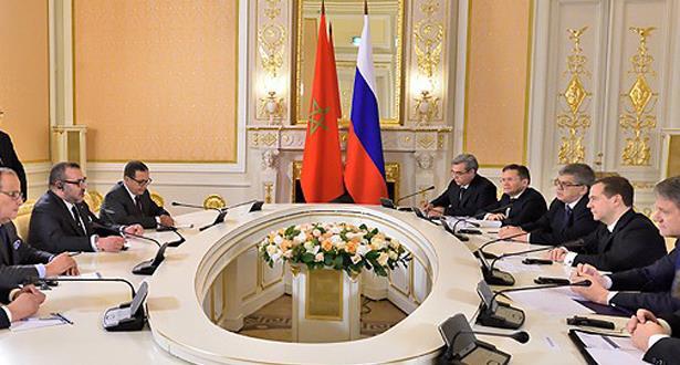 الملك محمد السادس يتباحث بموسكو مع الوزير الأول الروسي