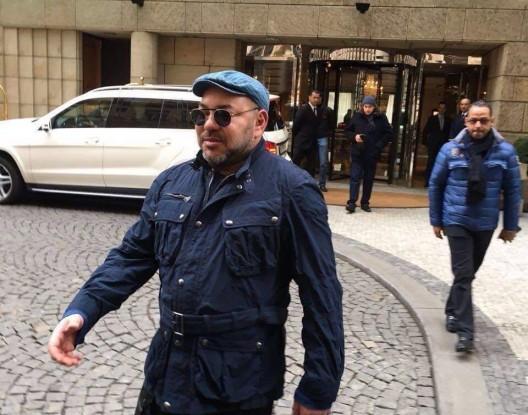 الملك محمد السادس يواصل إبهار الصحافة التشيكية بتحرره من