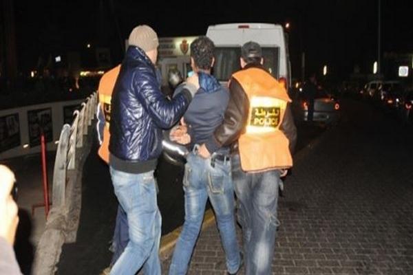 إعتقال عنصرين من أفراد عصابة إجرامية دخلت في مواجهات مع عناصر الأمن ضواحي مراكش