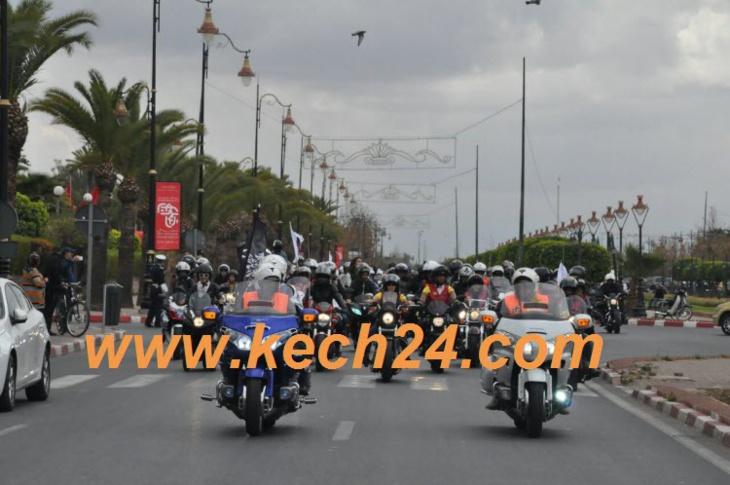 مئات الدراجات الكبيرة تطوف مراكش تخليدا لليوم العالمي للمرأة + صور