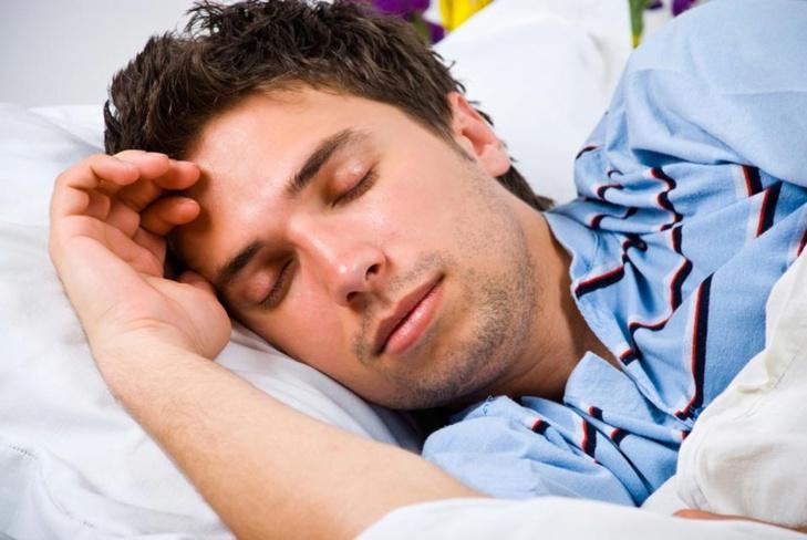 تعرف على 5 أمراض يسببها الإكثار في النوم