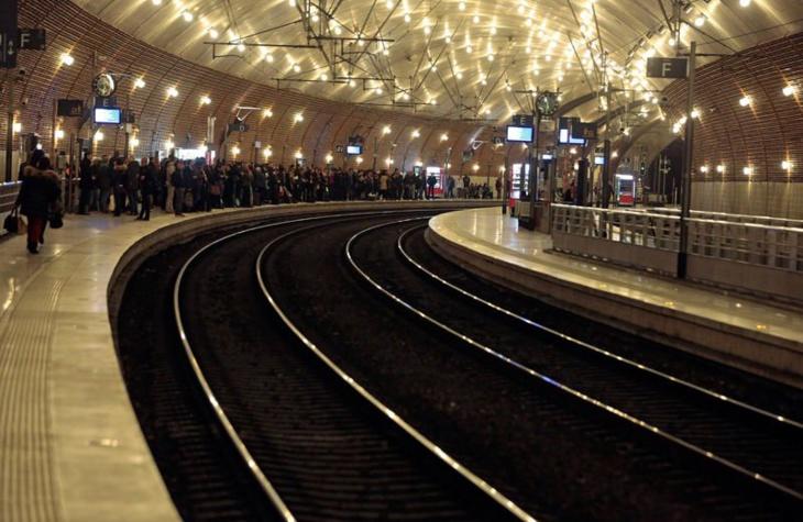 باريس .. إخلاء محطة القطارات