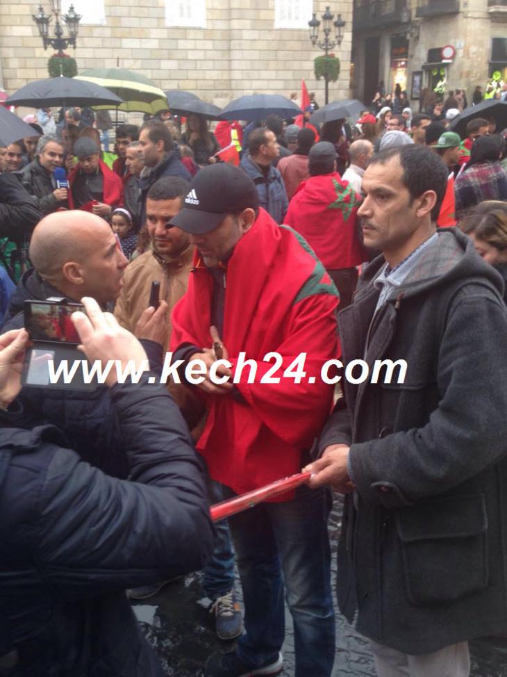الفنان المراكشي غاني القباج وآخرون يحتجون ضد
