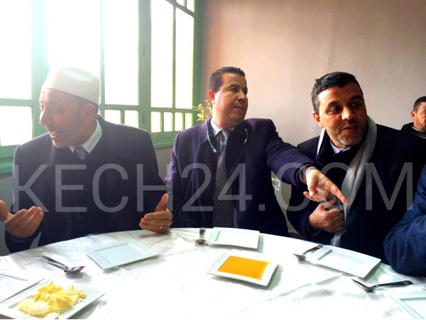 العمدة بلقايد والبنين يتبادلان رسائل مشفرة على مائدة إفطار بسيدي يوسف بن علي + صورة