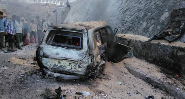 مصرع 22 شخصا على الأقل في ثلاث عمليات انتحارية في عدن