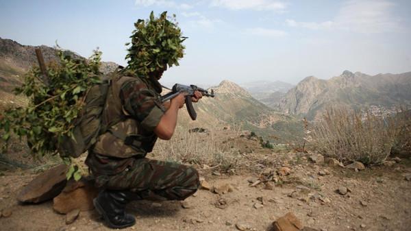 الجيش الجزائري يعلن مقتل ثلاثة إرهابيين شرق البلاد