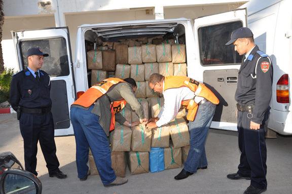 ضبط وحجز نحو 15 كلغ من مخدر الشيرا بمعبر باب سبتة