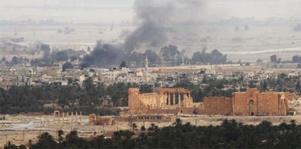 جيش النظام السوري يستعيد كامل مدينة تدمر من تنظيم داعش