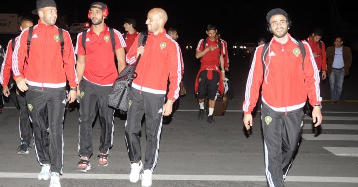 بعثة المنتخب المغربي تحل بمطار مراكش بعد مهمة ناجحة في