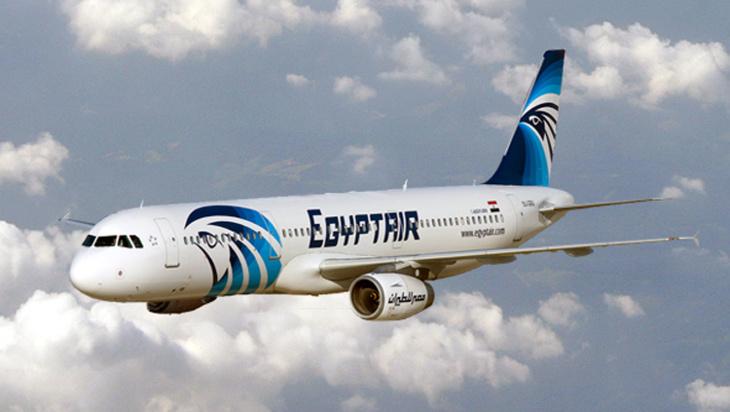 إختطاف طائرة مصرية وعلى متنها 62 راكبا وتحويل اتجاهها لمطار