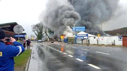 انفجار ضخم وحريق مهول على الحدود الألمانية البولندية + فيديو