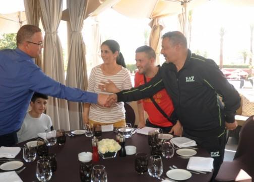 هذا ما قام به فوزي لقجع مع عائلات المٌحترفين المغاربة بمراكش