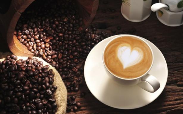 لهذا يتوجب على الرجال التقليل من احتساء القهوة قبل فترة