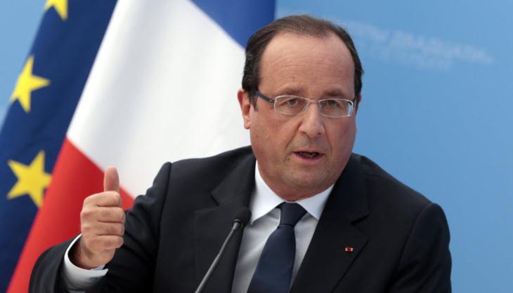 فرنسا تتخلى عن إصلاح دستوري يقضي بإسقاط الجنسية عن المدانين بالإرهاب