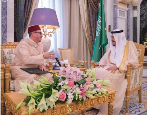 المستشار الملكي الهمة يسلم العاهل السعودي رسالة من محمد السادس