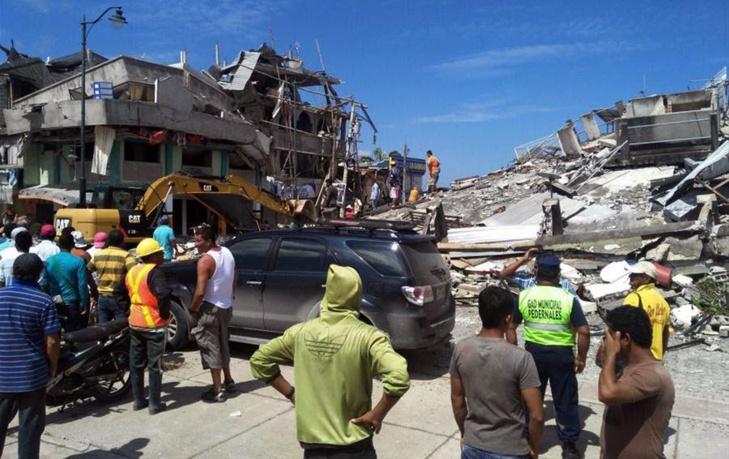 ارتفاع عدد قتلى زلزال الإكوادور إلى 413 وإعادة البناء تحتاج مليارات