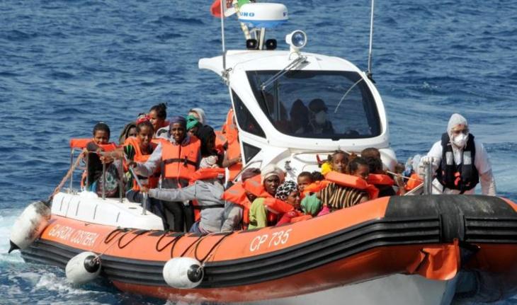 أنباء عن غرق 500 مهاجر سري في البحر الأبيض المتوسط