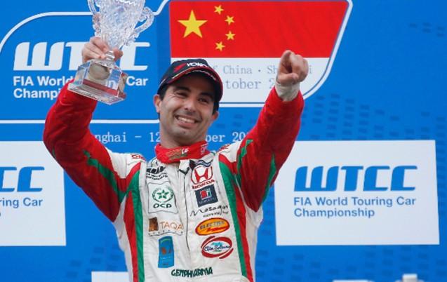 المهدي بناني يفوز بالسباق الأول للجائزة الكبرى لهنغاريا في بطولة العالم لسباق السيارات السياحية