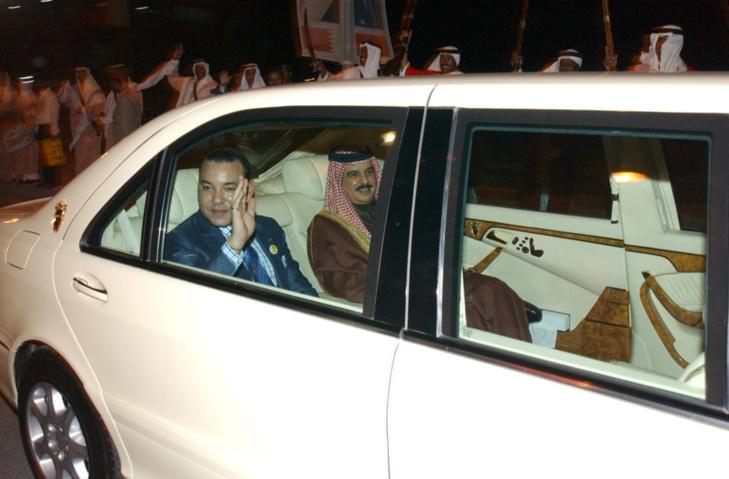 الملك محمد السادس يحل بالبحرين في زيارة أخوة وعمل