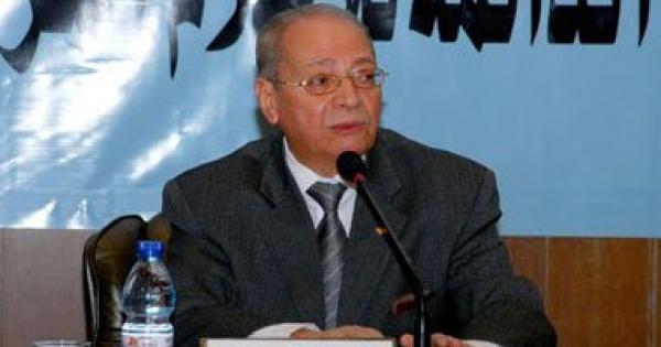 وفاة الإعلامي والكاتب المصري أمين بسيوني عن سن يناهز 83 عاما