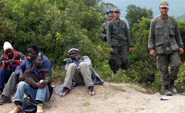 القوات المساعدة تعترض العشرات من المهاجرين حاولوا دخول سبتة المحتلة