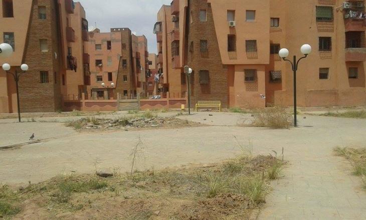 حديقة إقامة بأبواب مراكش تتحول إلى صحراء جرداء والساكنة تتساءل عن مآل مساهماتها المادية + صور
