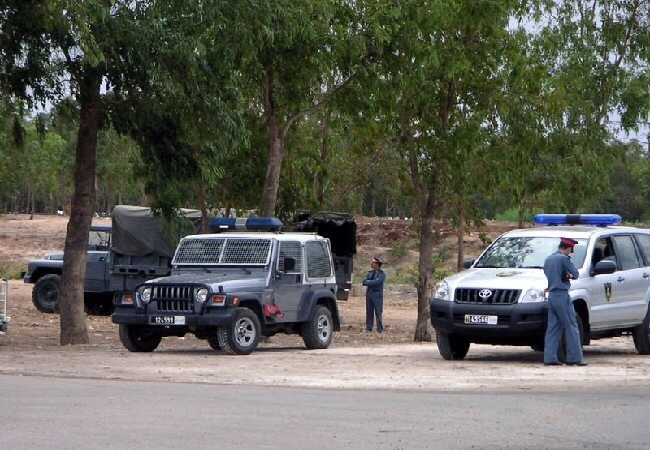 درك اليوسفية يعتقل مشجعين هاجموا سيارة تقل فريق رجاء الفقية بن صالح لكرة القدم