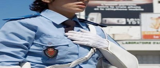 اعتقال امرأة صفعت شرطية بعدما أوقفتها لخرقها قانون السير