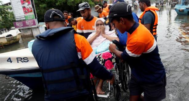 مصرع 71 شخصا على الأقل وتشريد أزيد من 350 ألف آخرين بسريلانكا
