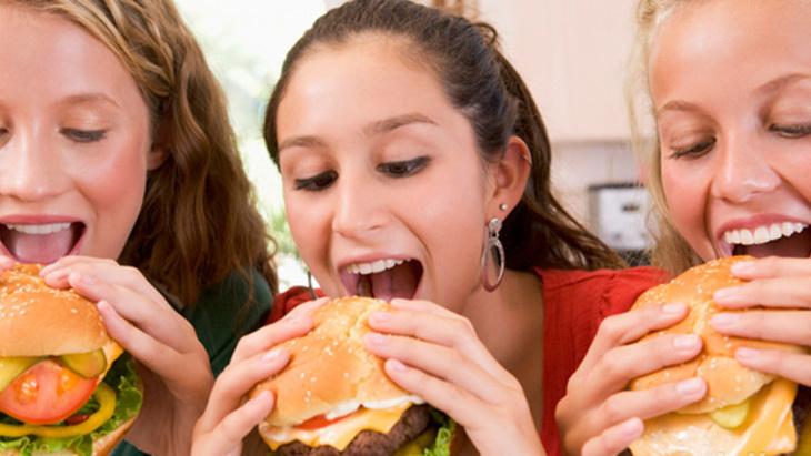 هذه علاقة غذاء الفتيات في سن المراهقة بسرطان الثدي لاحقا