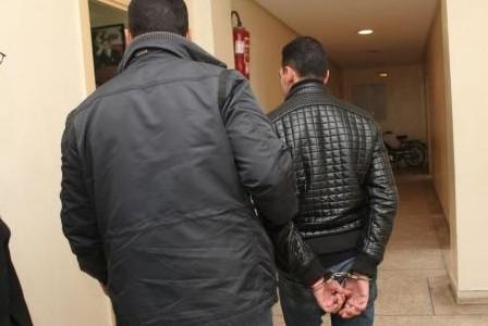سكوب: أمن مراكش يعتقل صاحب صالون للحلاقة بتهمة ترويج أقراص الهلوسة